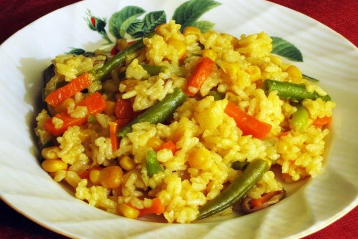 рис с овощами в мультиварке фото1