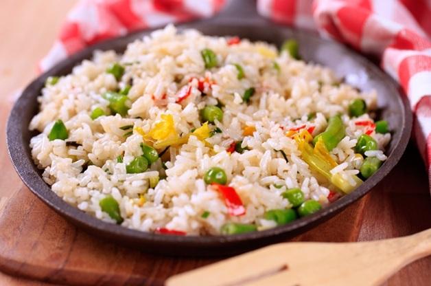 рис с овощами в сковороде фото