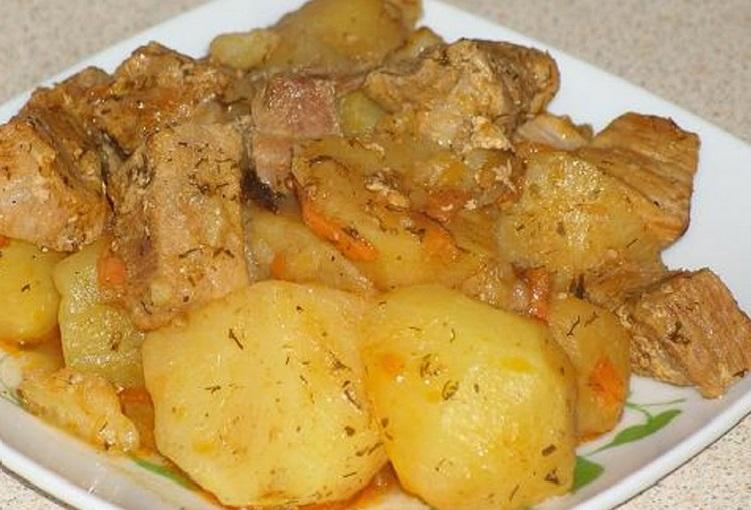 картошка тушеная с мясом и капустой в кастрюле рецепт с фото