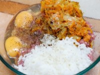 Tefteli v tomatnom souse s risom