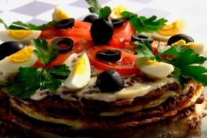 pechenochnyj-tort-iz-govjadiny