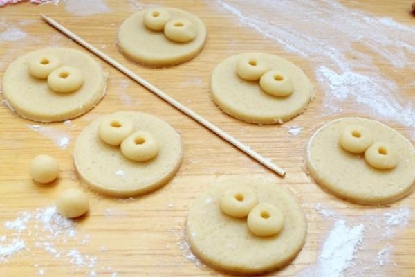 Простое песочное печенье на масле