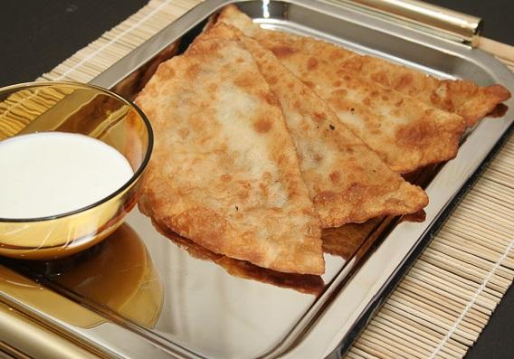recept-cheburekov-s-mjasom