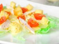 salat-cezar'-s-kuricej