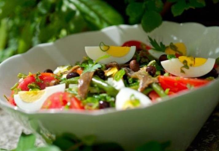 salaty-na-den'-rozhdenija-bez-mjasa