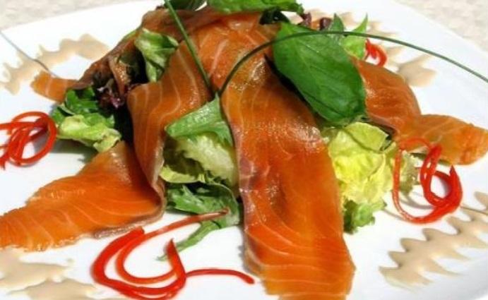 salaty-na-den'-rozhdenija-mamy-recepty