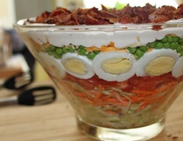 salaty-na-den'-rozhdenija-ovoshhnye