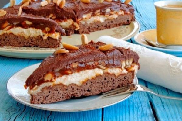 Торт сникерс рецепт пошагово в домашних условиях без безе