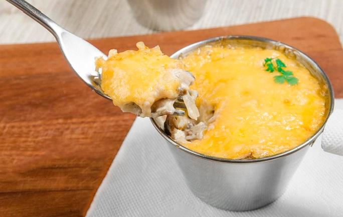 жульен с курицей и грибами в сметане рецепт на сковороде